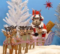 reindeer and mouse santa